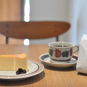 ラムレーズン添えチーズケーキとRUSKA